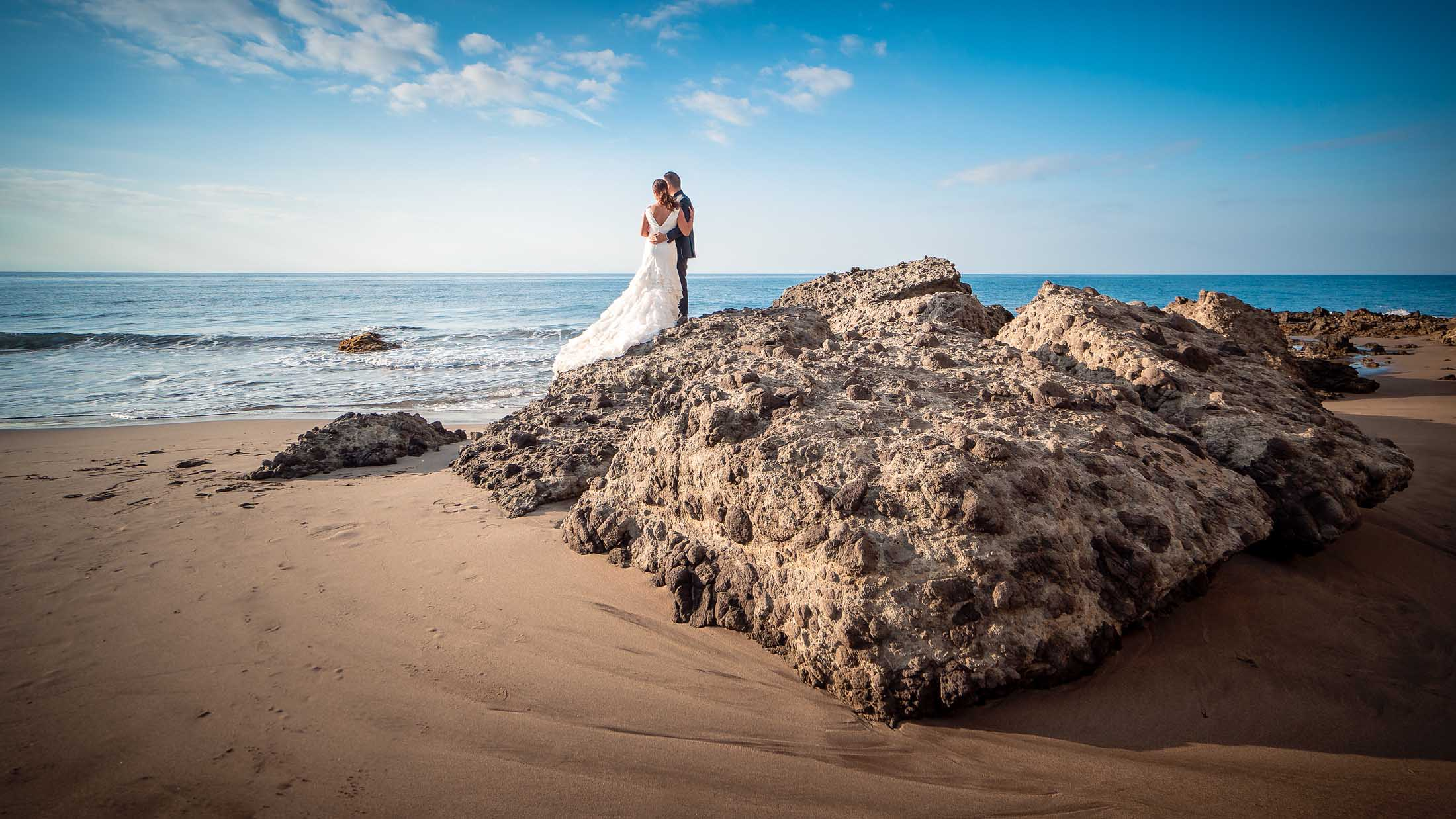 Postboda en la playa de Monsul