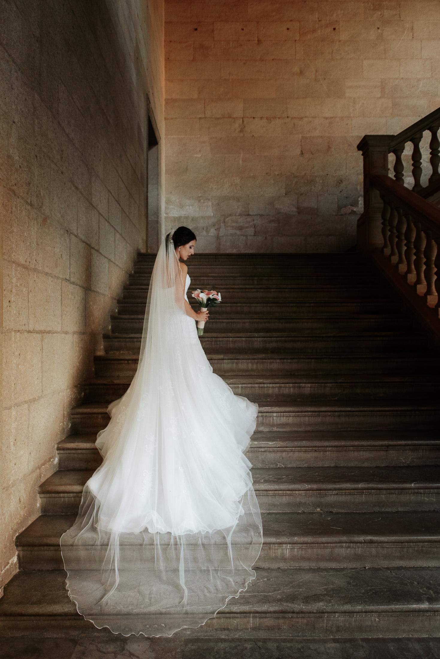 Alhambra Wedding - Bride at the Palace of Charles V
