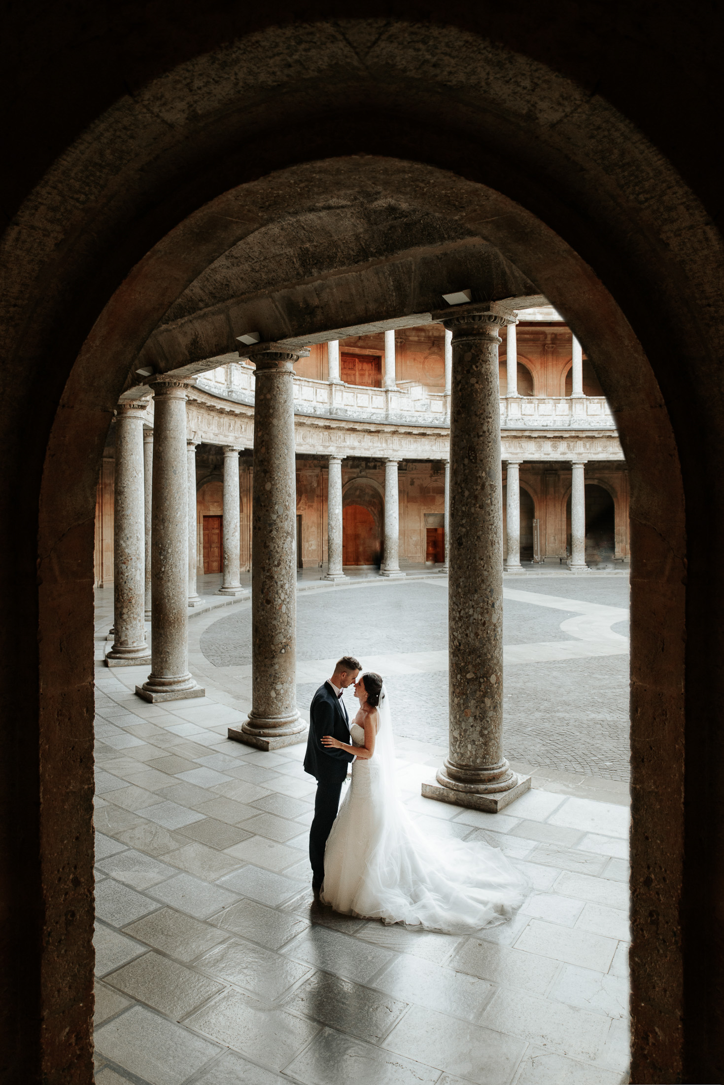 Alhambra Wedding photo shooting in Palace of Charles V