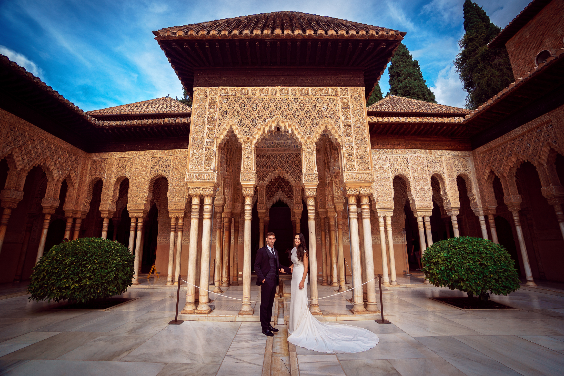 Wedding in Alhambra, Court of the Lions