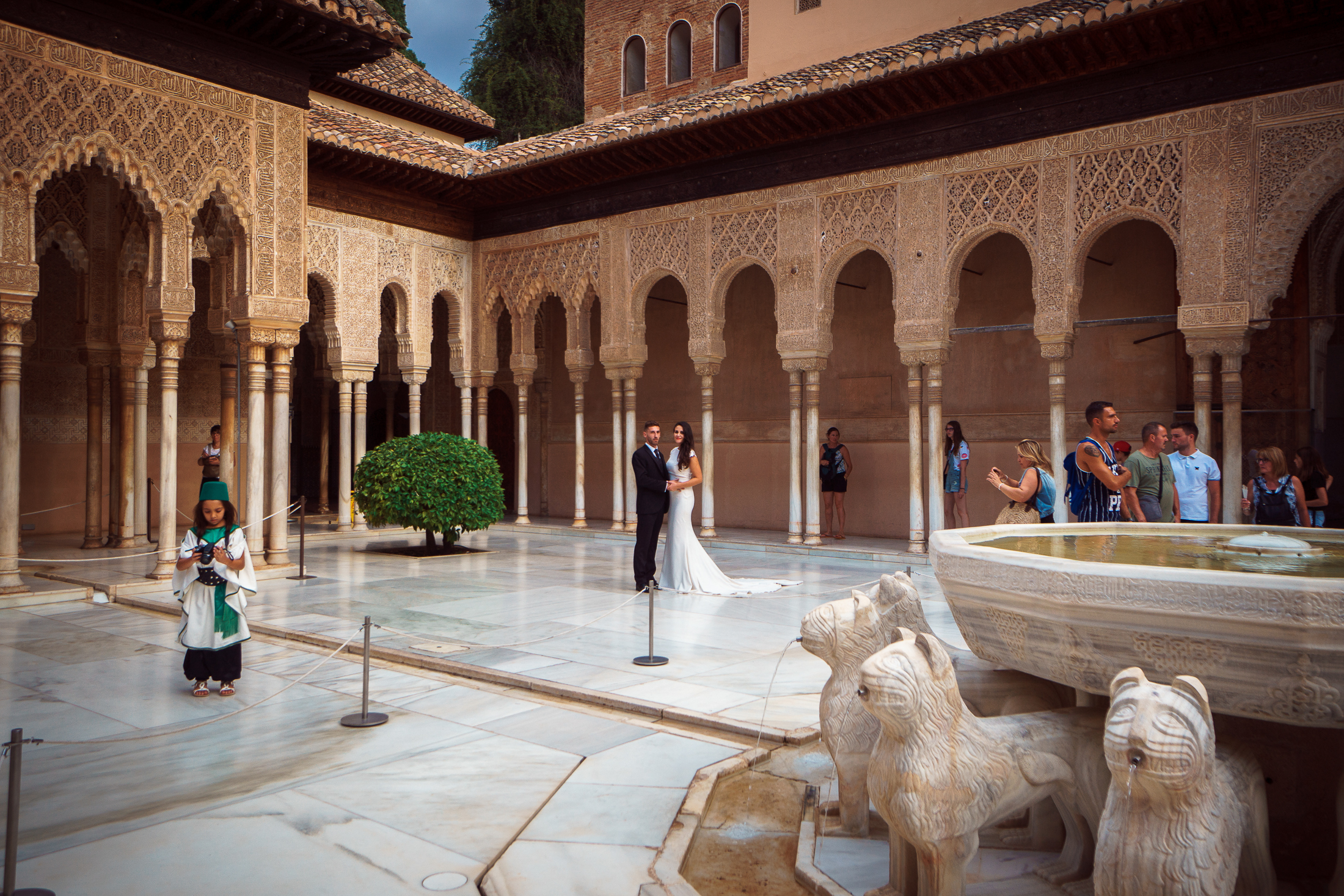 Court of the lions, Wedding in Alhambra
