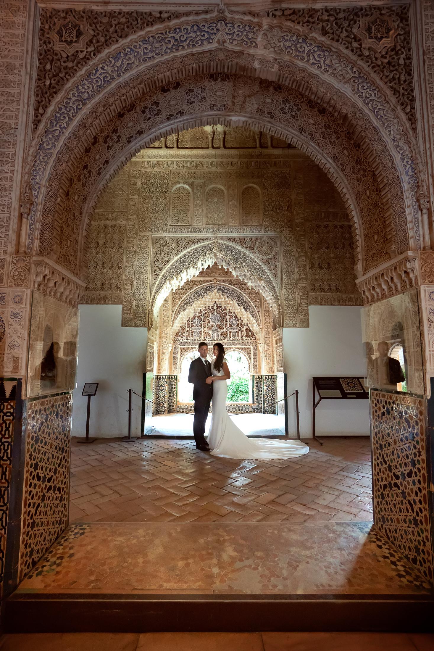 Postboda en Alhambra. Salon de Dos Hermanasa