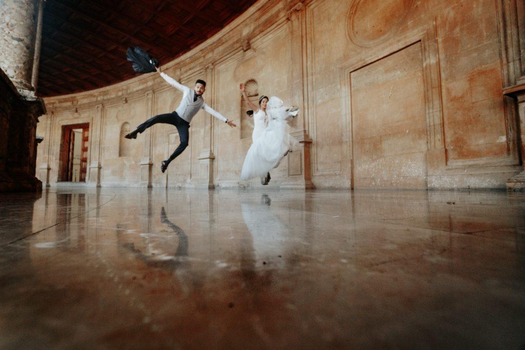 Fun wedding in Alhambra