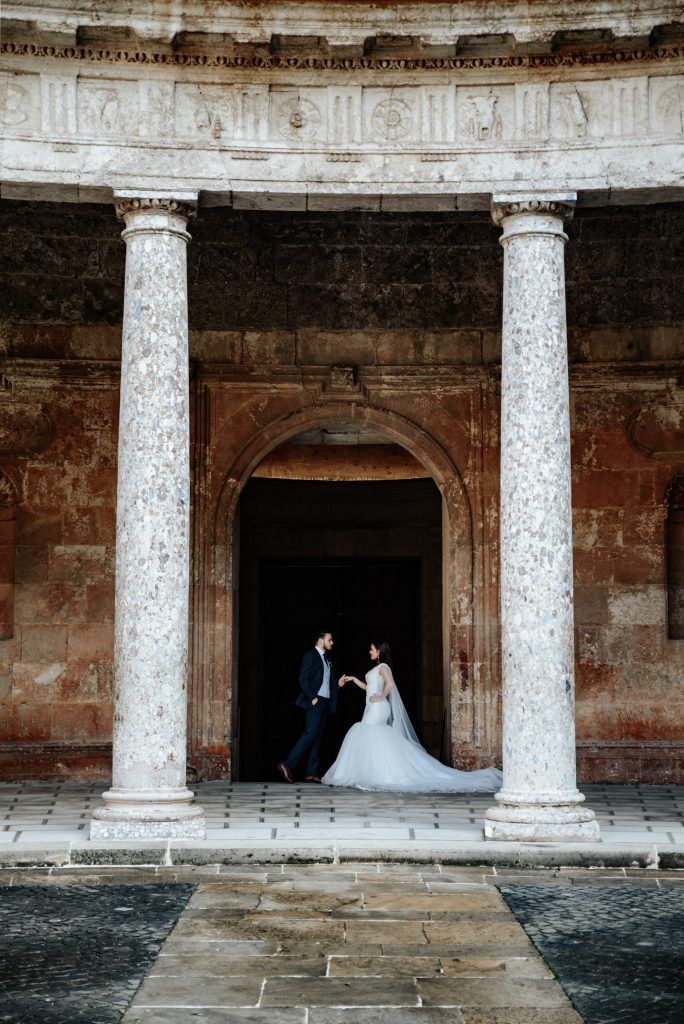 wedding photo shoot in Alhambra of Spain