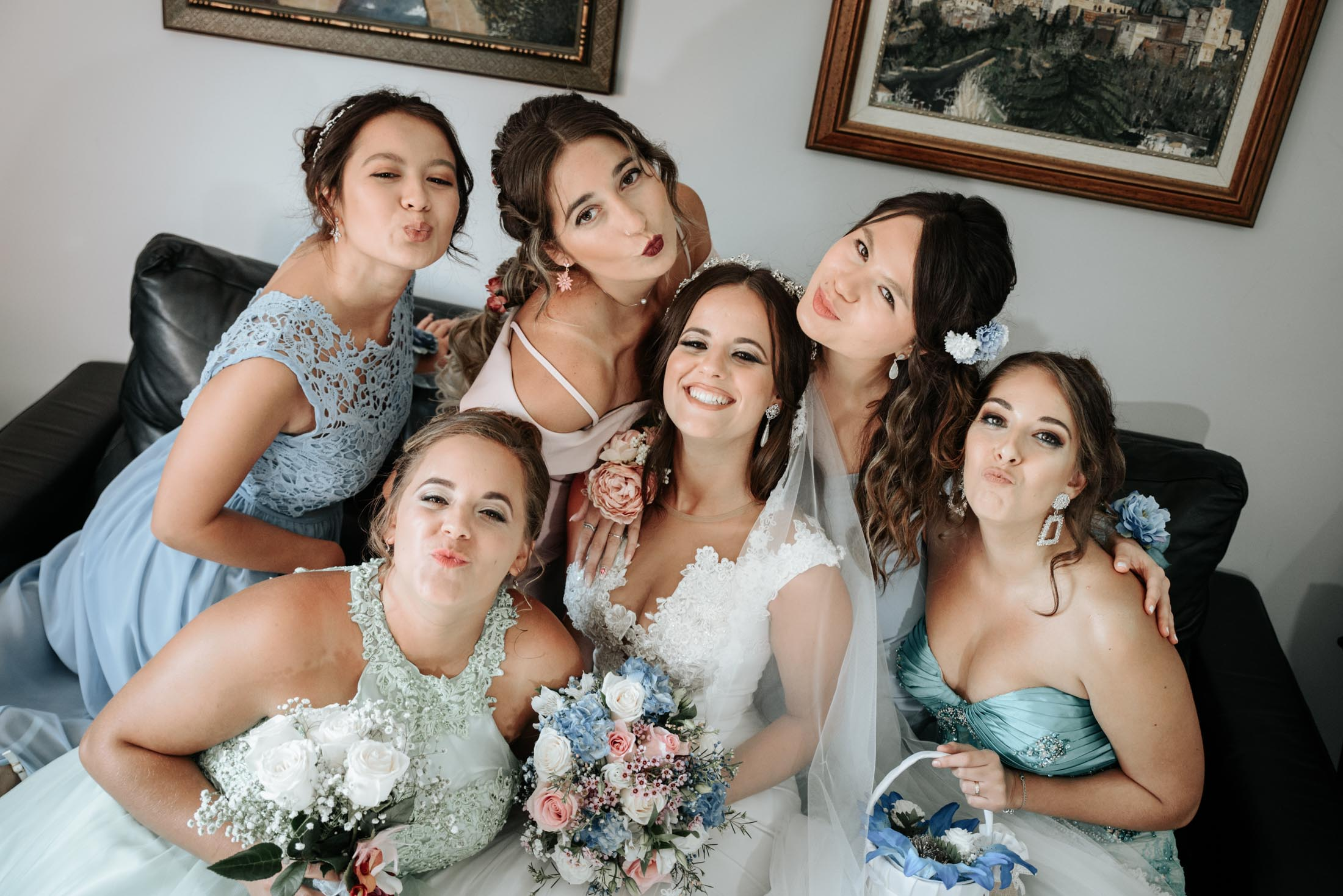 Novia con damas de honor