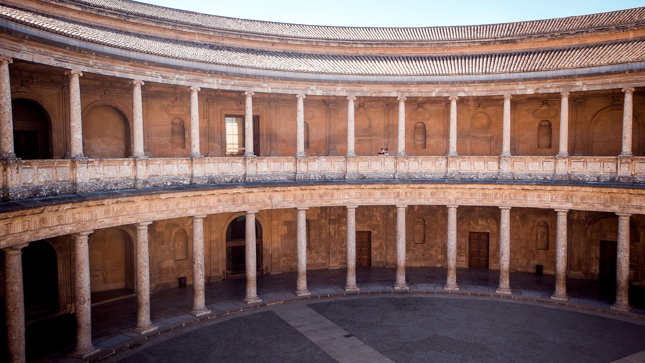 Love Story in Granada - 010